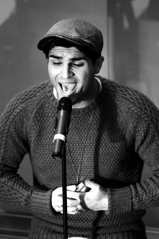 Tooji sjunger