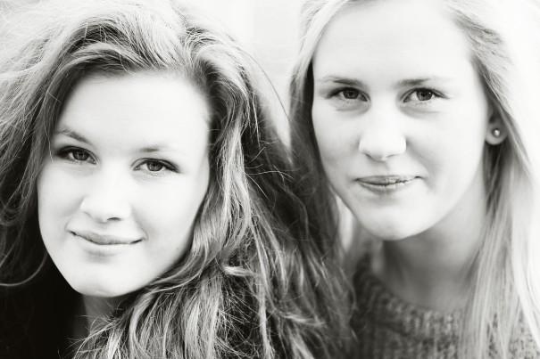 Systrarna