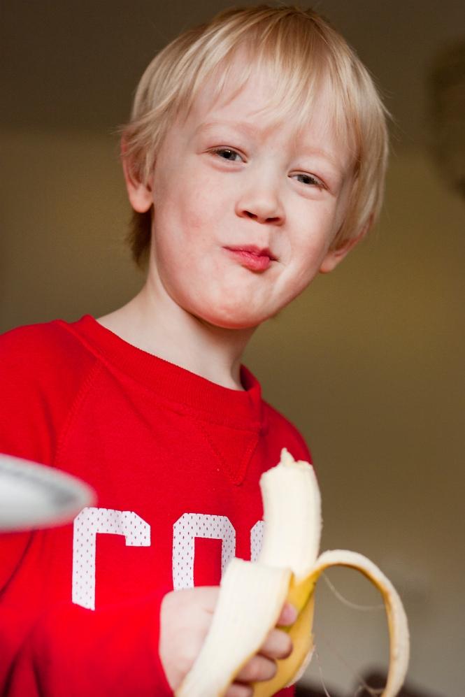Emil mumsar banan